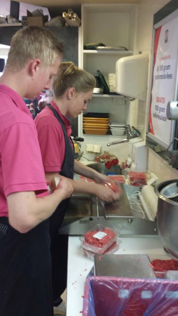 Sealen pakketten voedselbank purmerend geschonken de pci Edam en Monnickendam