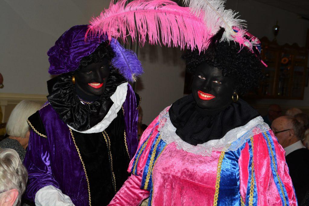 Zwarte Piet op bezoek in de Burghwall